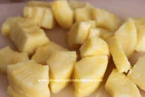 sliced pineapple pieces